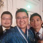 Foto dengan Mr. Alex Sales Manager dan Mr. Riki Tangerang Sales